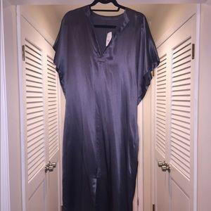 BRAND new never worn WT 💯 % Gray fluid dress